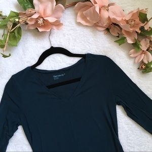 Gap maternity purebody long sleeve v neck T-shirt